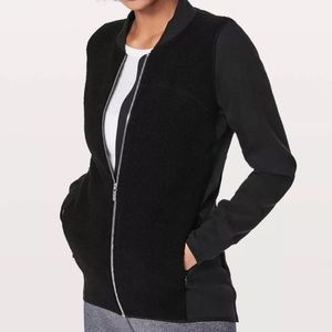 """NWT Lululemon """"Stand out Sherpa"""" wool cozy size 2"""